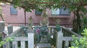 160830浄瑠璃姫の墓